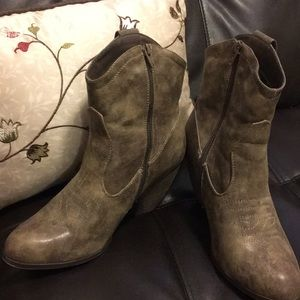 Cowboy Boots with Heel